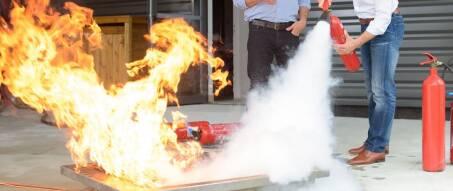 Feuerlöschtraining Löschen